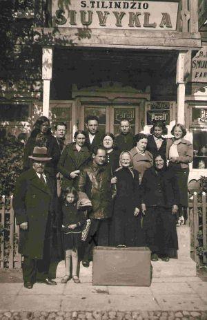 dusetos jewish singles Uzpaliai holocaust victims jewish school teacher single aron born in dusetos noiman fridi born 1930 mother.
